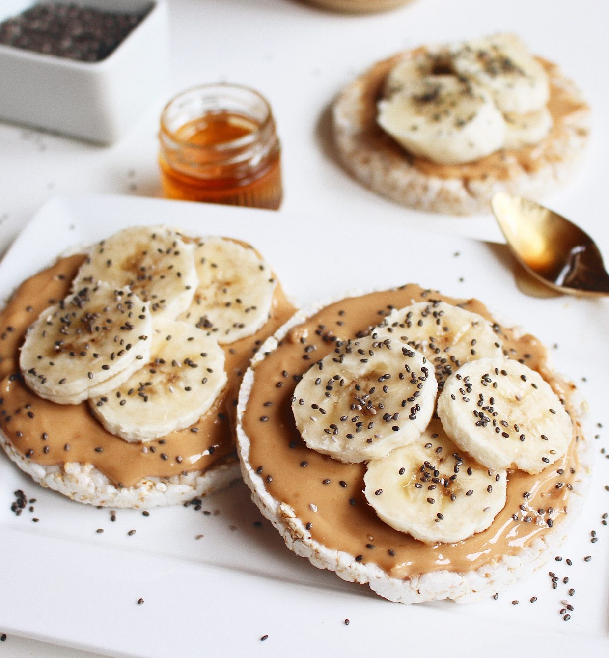 Healthy snack# Rice cake with peanut butter & banana.