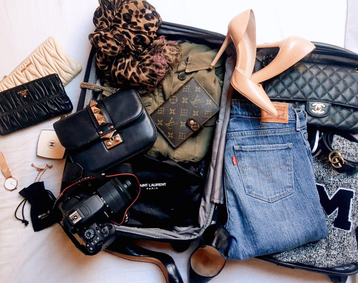 Simple packing tips before traveling.
